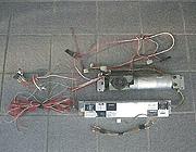 写真:既存ドアエンジン及びコントローラー
